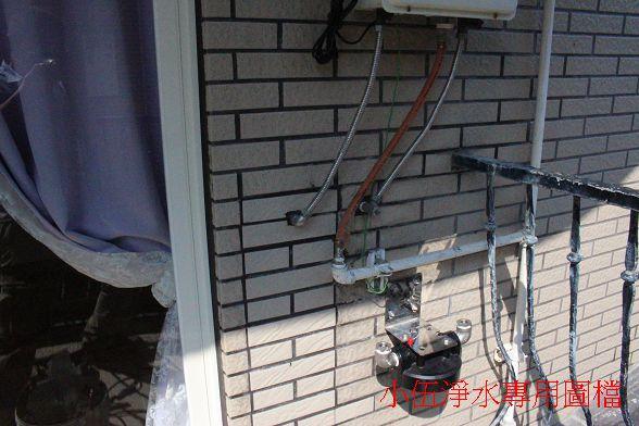 建議最好有壁面探測器做輔助~不然這種牆壁真的很容易挖到水管~!