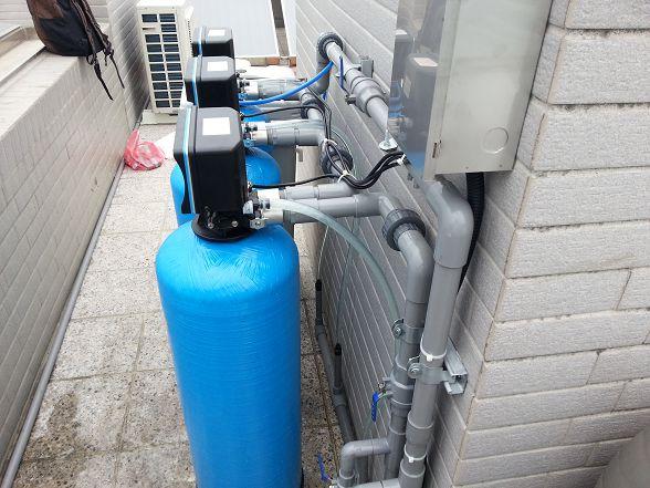 網友說光看大金剛全戶式過濾器-全戶軟水設備的配管就很爽快了...