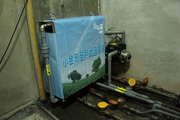 貼上流向貼紙後~網友更能了解淨水設備的處理流程