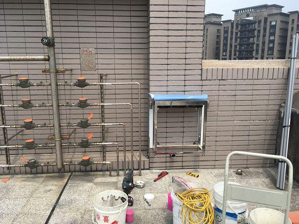現在很多新房子的管路都開始採用不銹鋼壓接了呢!
