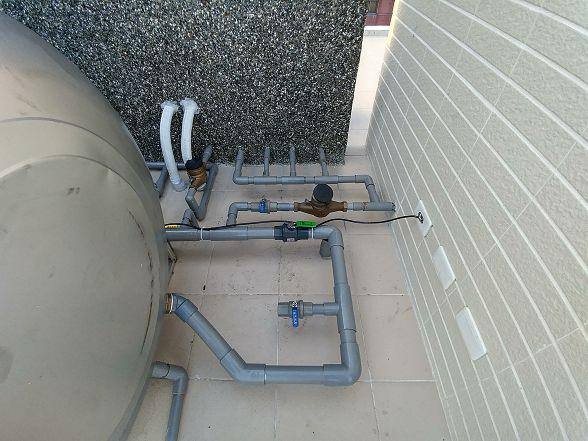 看來配置這邊管路的水電師傅是屬於很用心的
