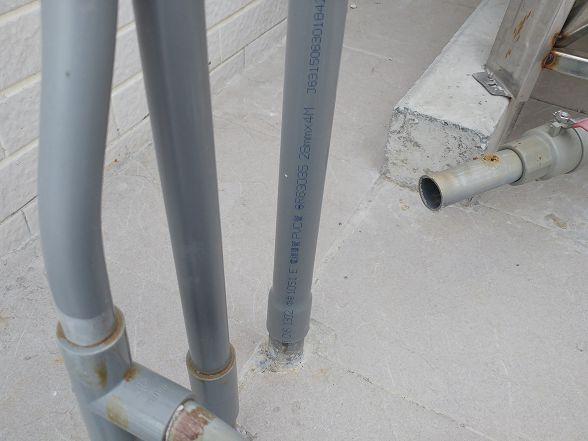 電線導管配到水路上~大約5年後就會開始有機率的漏水了