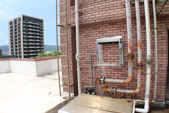 二次工程如果排膠不確實的話~屋內的自來水會有很嚴重的味道