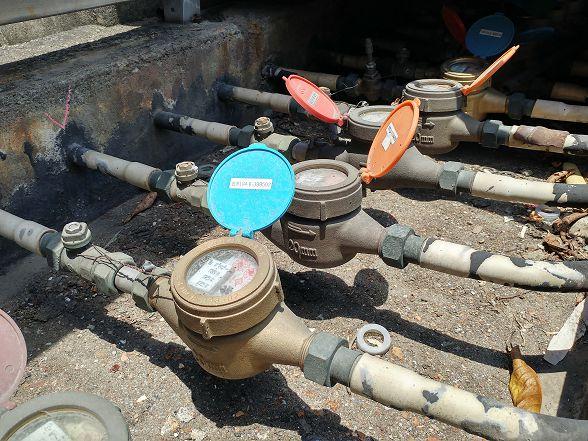 在不能改變水管材質的條件下~安裝一套可以過濾所有生活用水的設備是必須的