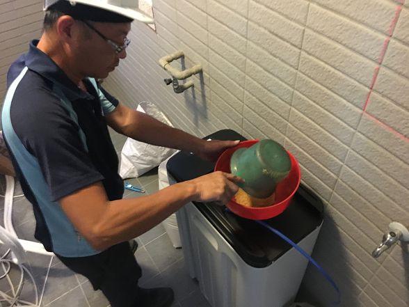 [安裝實績]大金剛全戶式過濾器-進階版-小伍淨水-台中市旱溪路 (3)